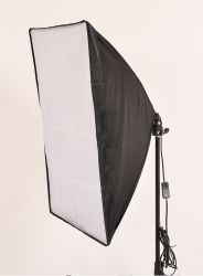 Agata Novo LED 66W - 03 Softbox 50x70, 2 Tripés 2mt, 01 Girafa e 03 Lâmpadas de LED 22W